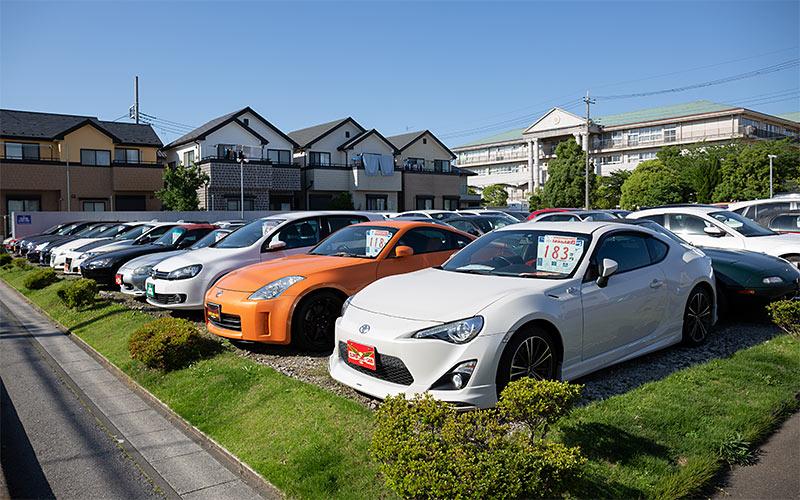 クローバーランドカーズ 越谷本店 GT・インポート専門